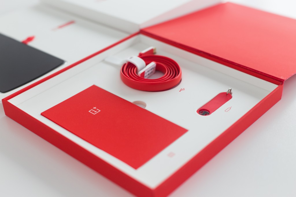 Unboxing-ufficiale-OnePlus-One-8