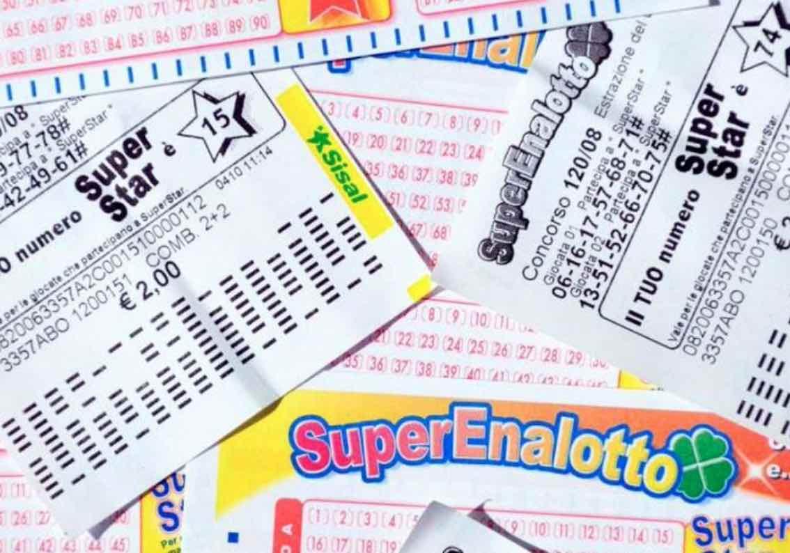 Estrazioni lotto, superenalotto oggi
