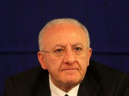 Vincenzo De Luca governatore campania preannuncia nuovo lockdown