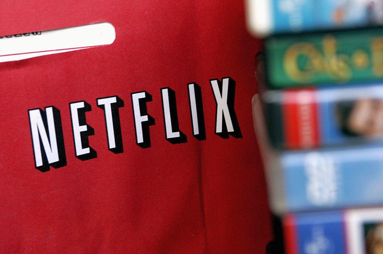 Netflix, calano gli abbonati e il titolo crolla in borsa
