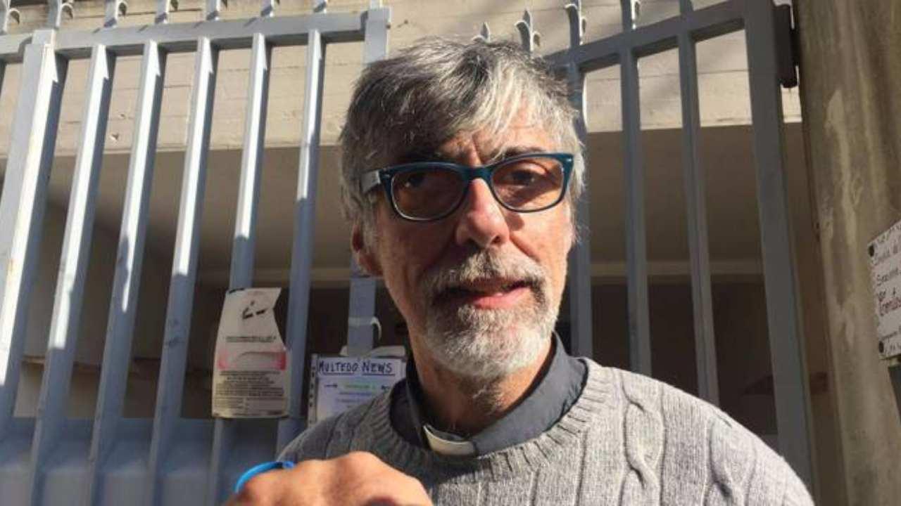 Genova, multati in coda alla mensa dei poveri per assembramento
