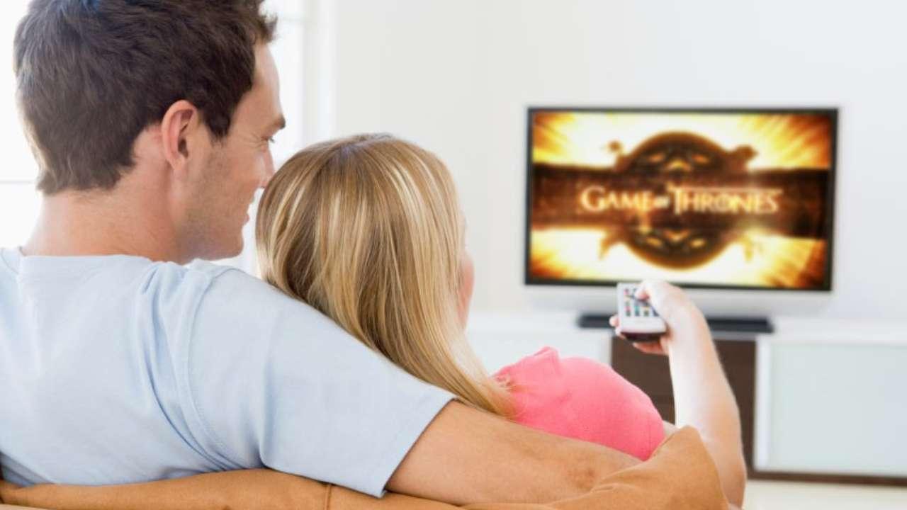 Programmi Tv oggi 13 novembre: intrattenimento, film e sport