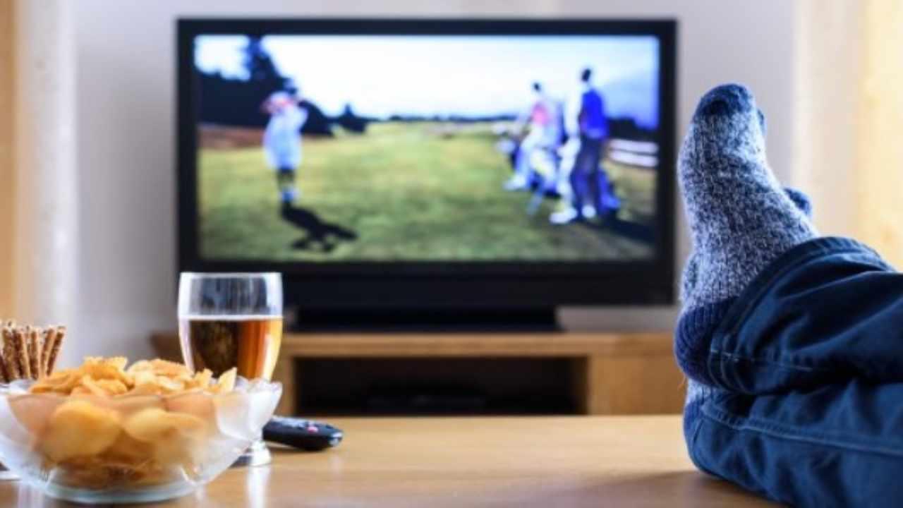 Programmi Tv oggi 21 novembre: intrattenimento, film e sport