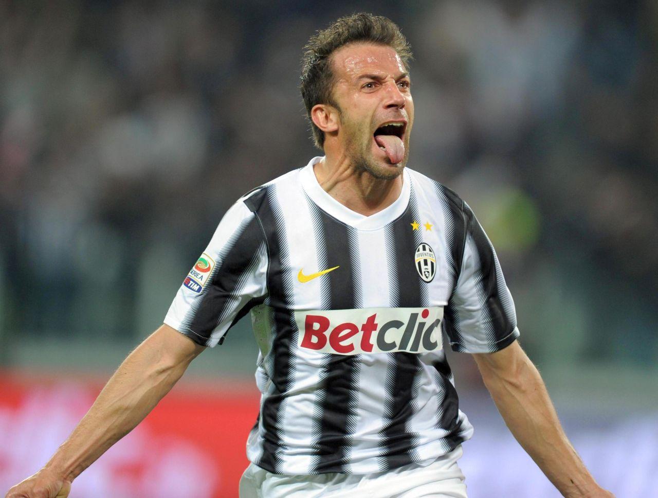 Del Piero compie 46 anni: gli auguri dei tifosi della Juventus al campione