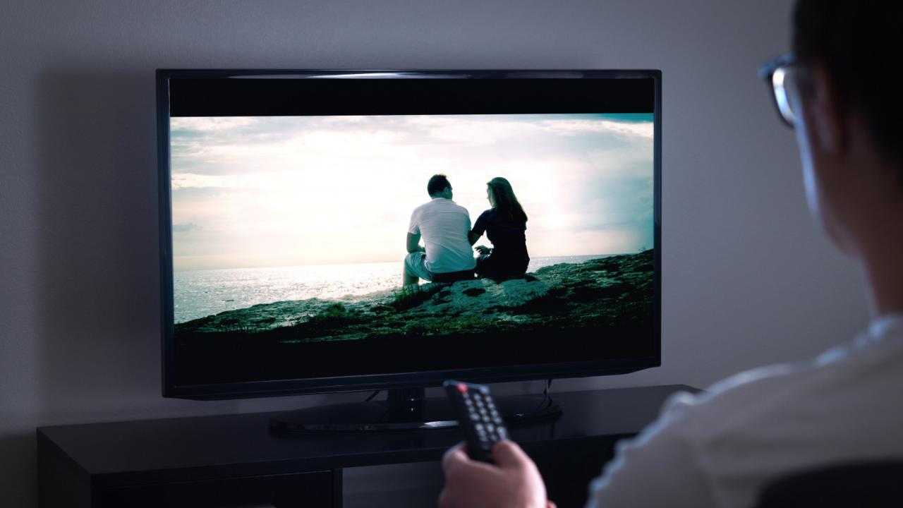 Programmi Tv oggi 17 novembre: intrattenimento, film e sport