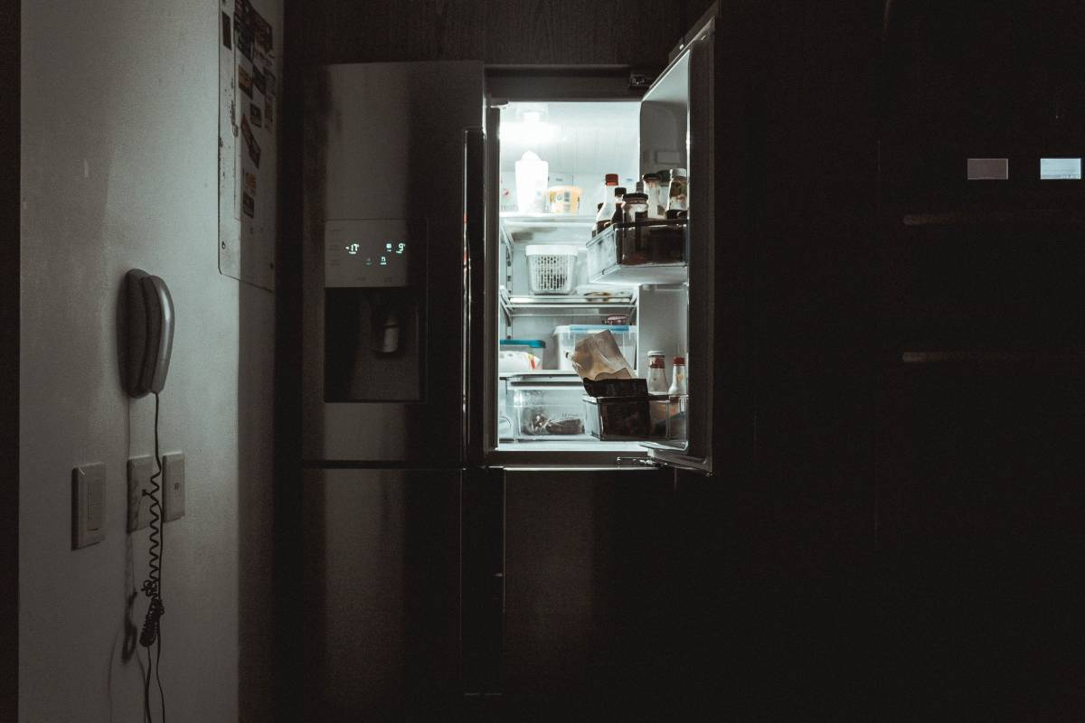 mettere il cellulare in frigo