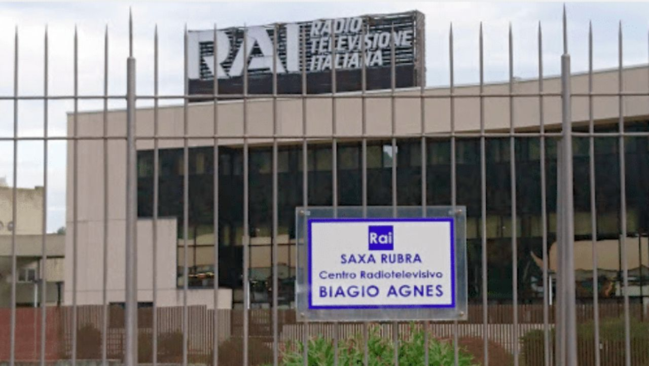Incendio negli studi Rai a Roma, salta la trasmissione