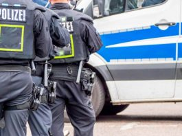 Germania, auto lanciata contro i pedoni. Almeno due morti