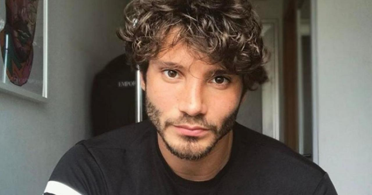 Stefano De Martino consola Emma Marrone