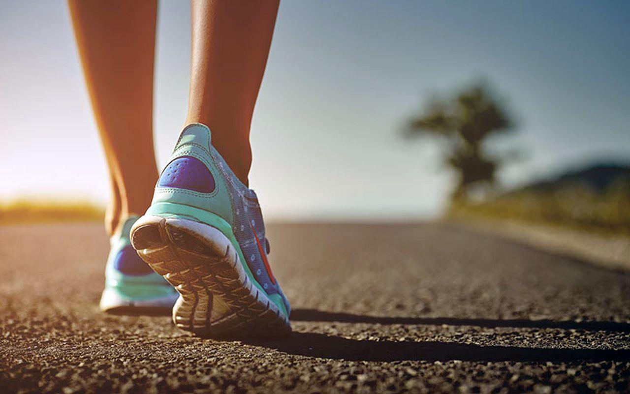 Camminare facendo 10.000 passi al giorno può essere un toccasana per la salute