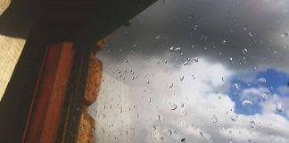 Pioggia dalla finestra