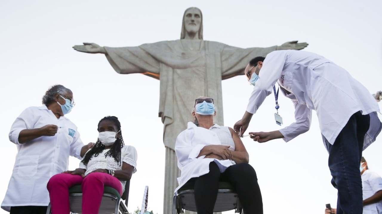 Vaccinazione al Cristo Redentor