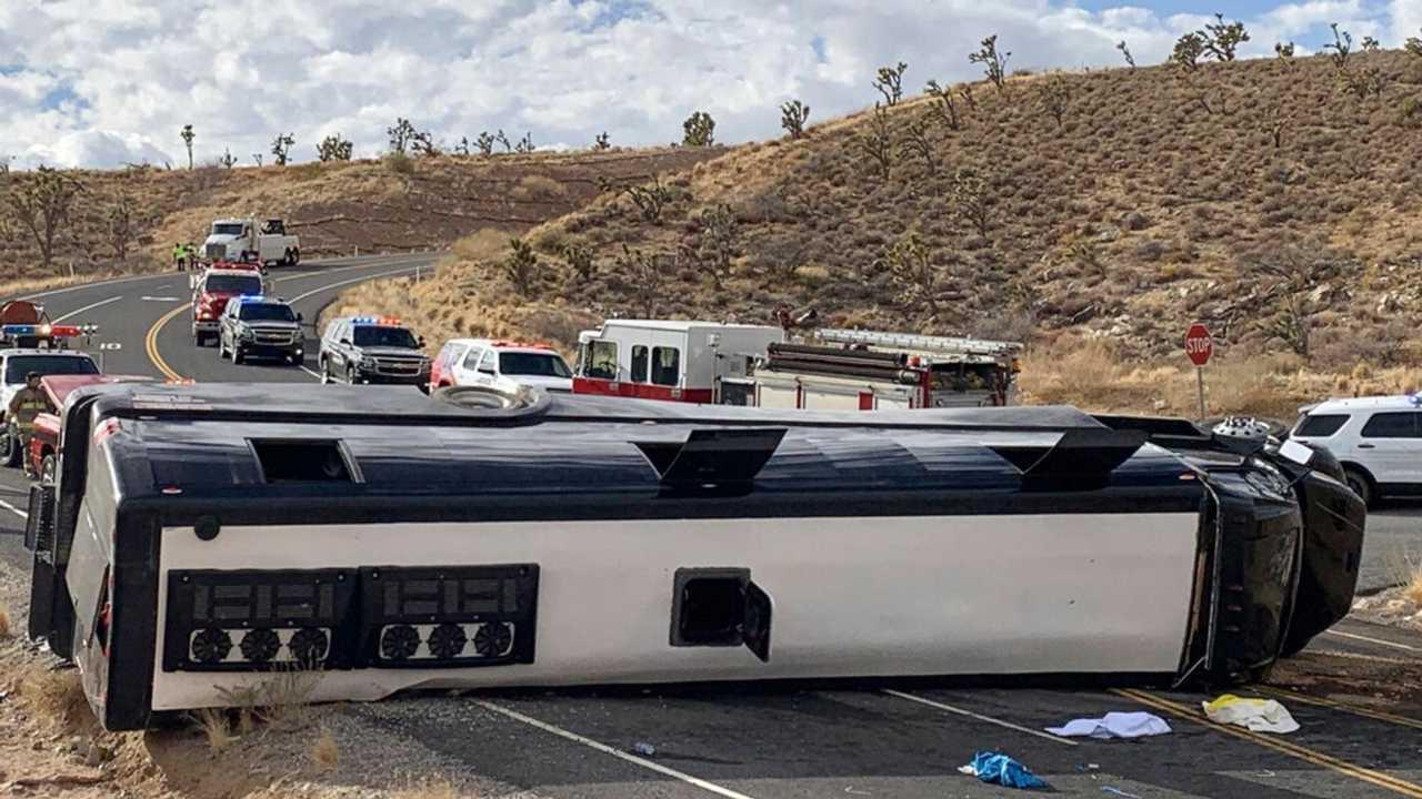 Grand Canyon, si ribalta un autobus pieno di turisti: un morto e due feriti gravi