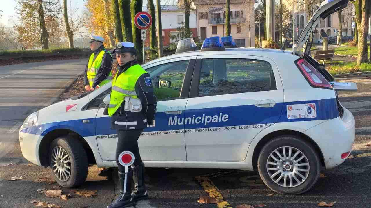 Polizia controlla spostamenti