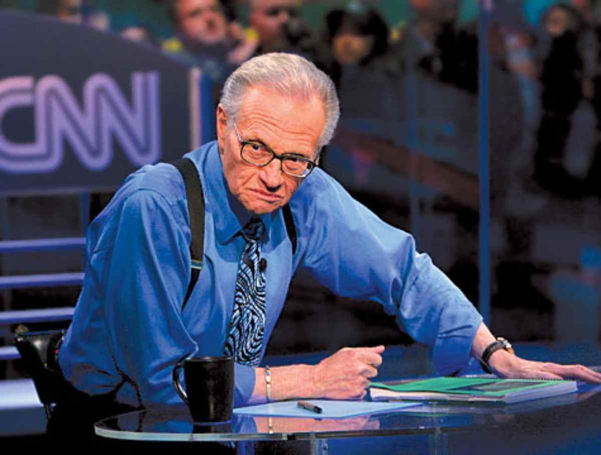 Il re delle interviste, Larry King è morto oggi ad 87 anni: aveva il Covid 19