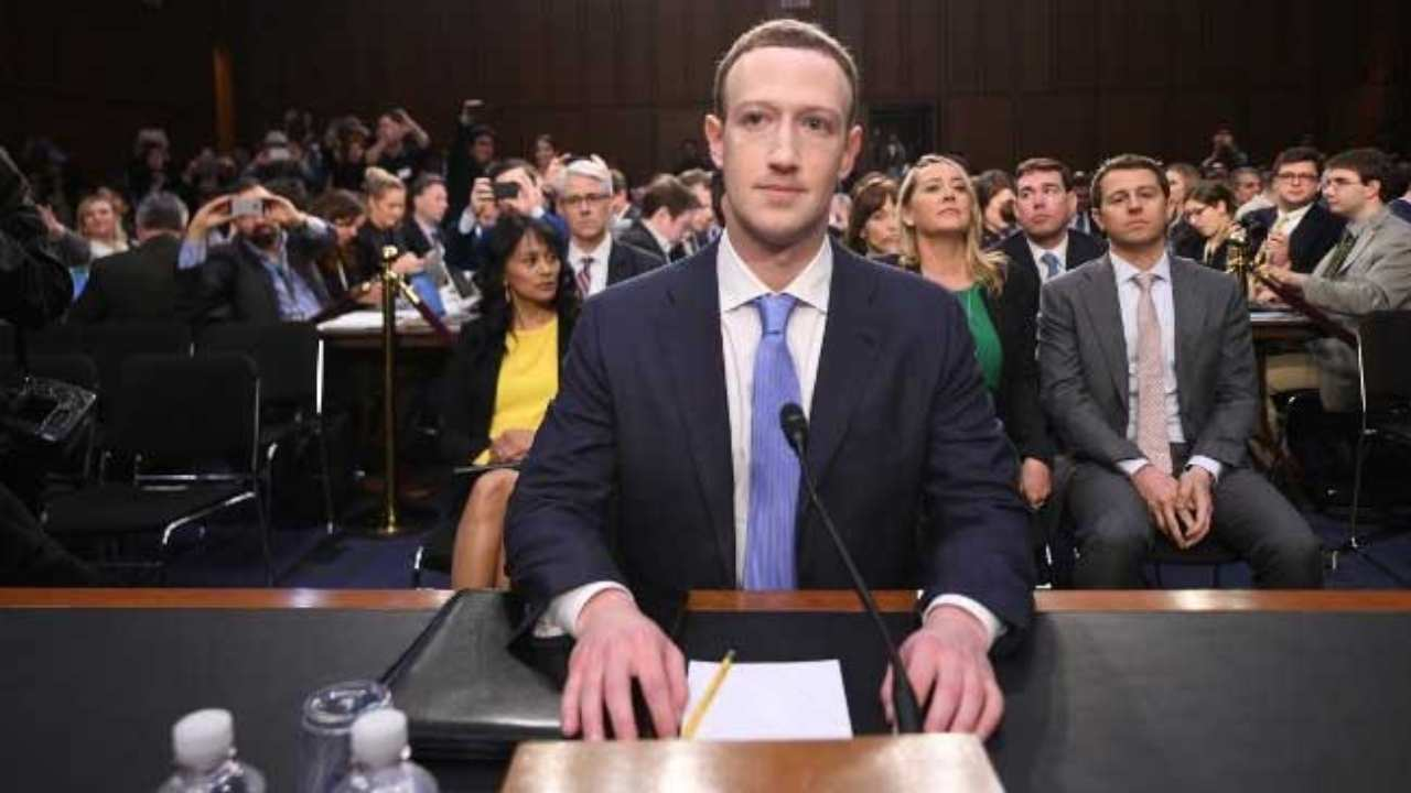 Mark Zuckerberg di Facebook in tribunale