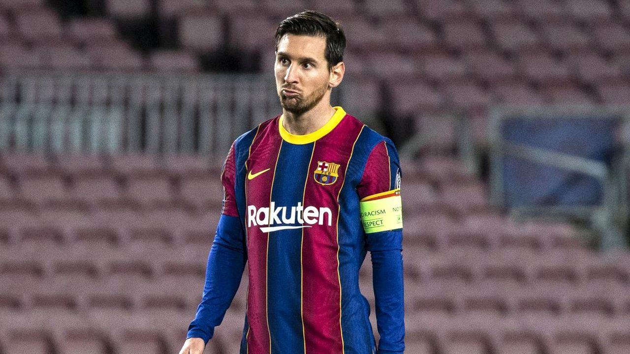 """Il Barcellona scarica Messi: """"Guadagni troppo, vattene"""". La reazione dei tifosi"""