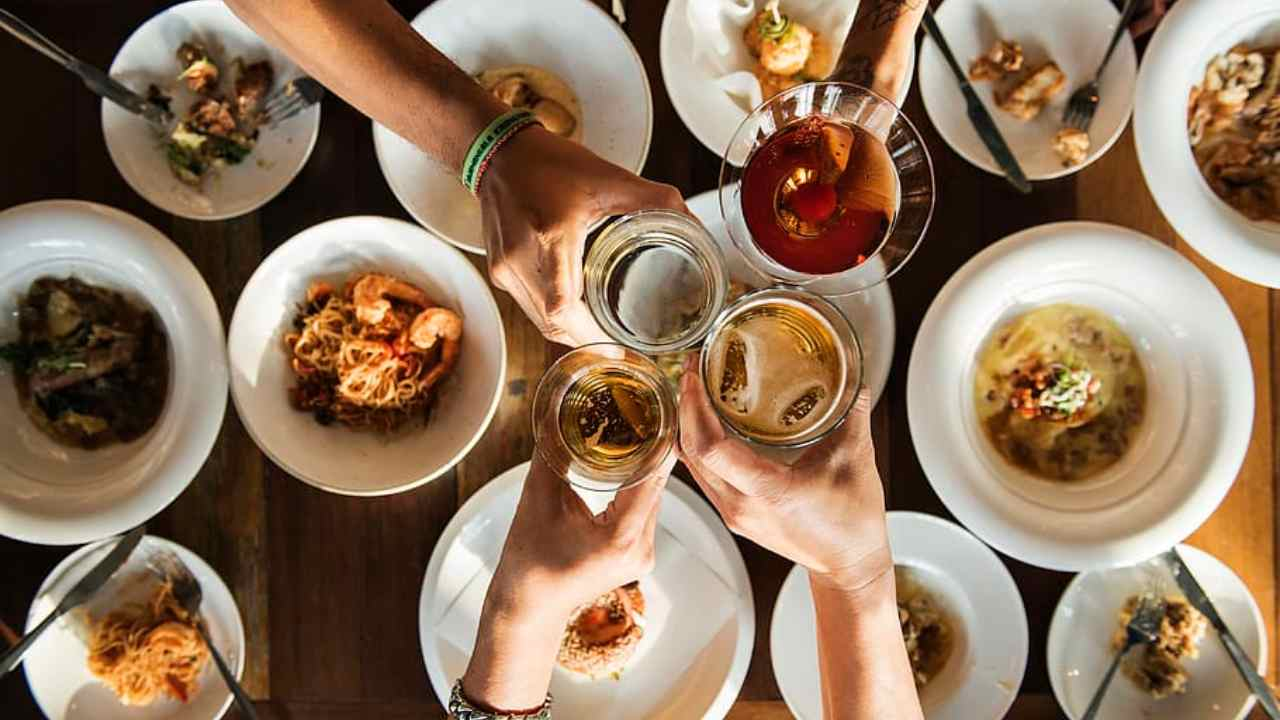 Cena con gli amici