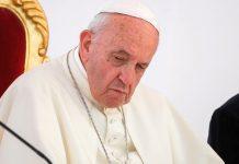 Il Papa si ferma per problemi di salute: cosa ha Francesco
