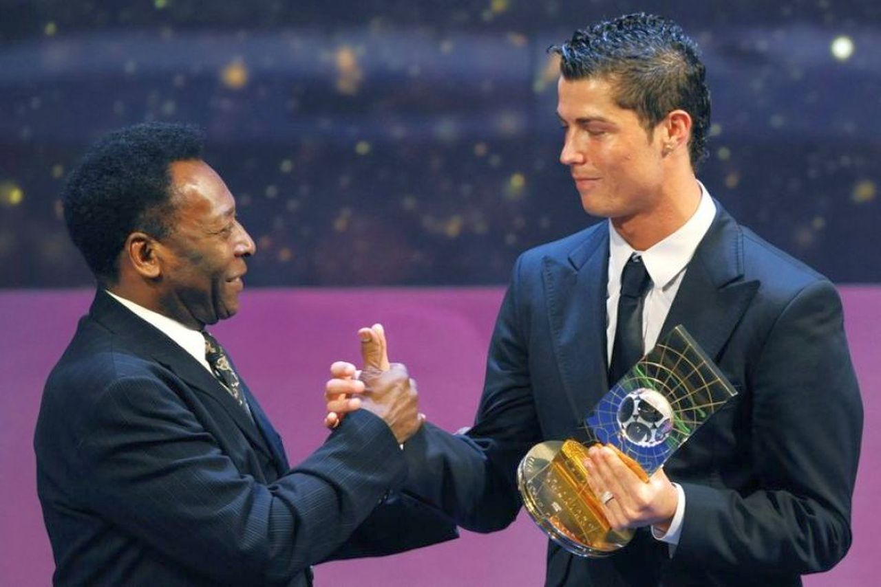 "Cristiano Ronaldo-Pelé, ""guerra"" a colpi social per il record di gol"