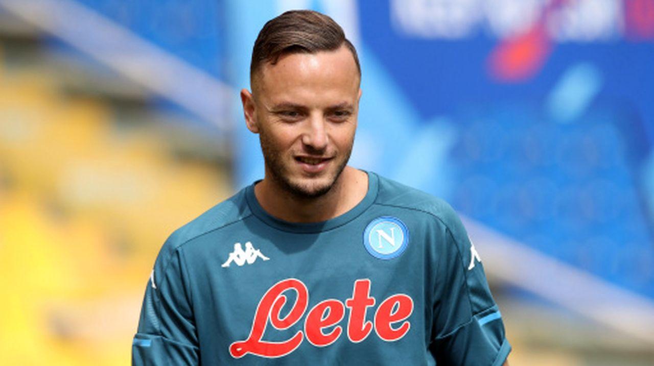 Napoli, chi è il calciatore che sta facendo litigare De Laurentiis con Giuntoli e Gattuso