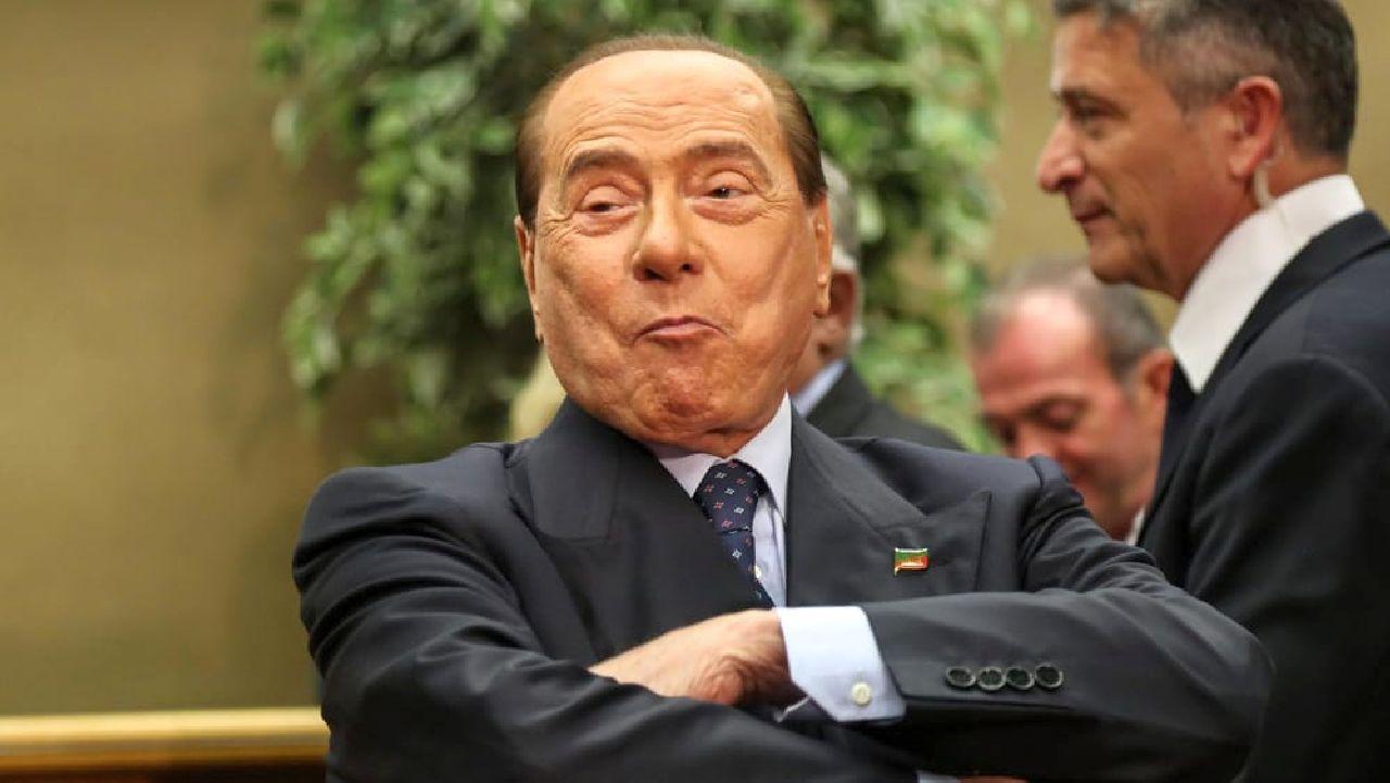 """Berlusconi fa valutare Villa Certosa: ecco quanto vale. La cifra """"fa paura"""""""