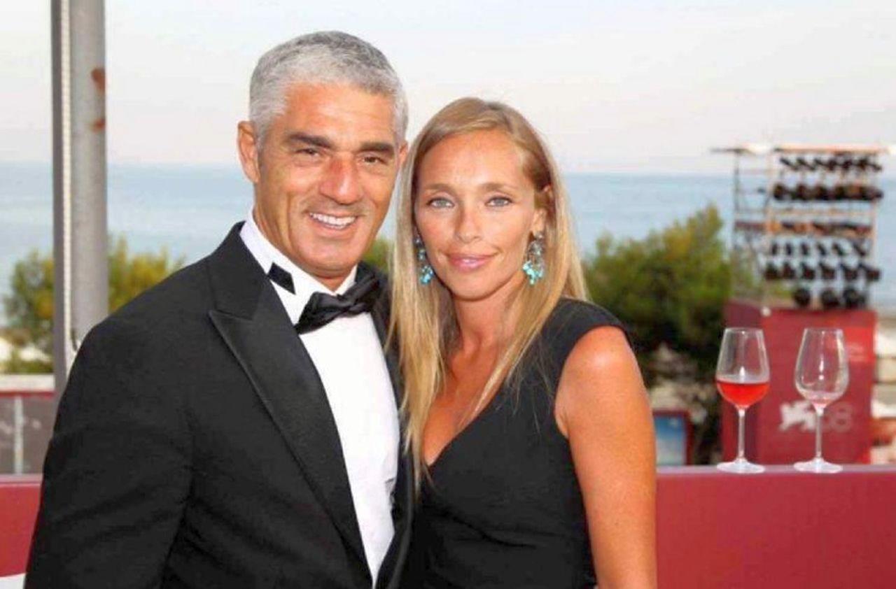 Biagio Izzo con la moglie