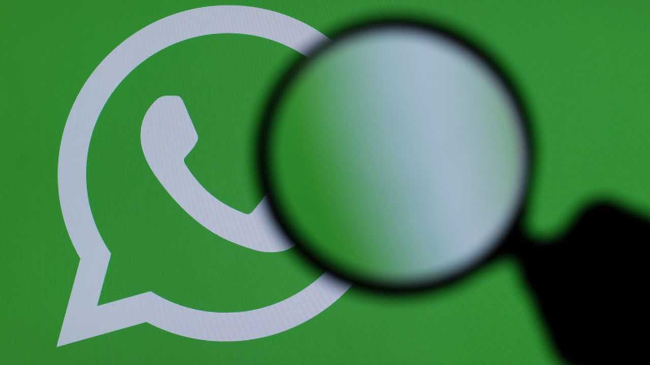 WhatsApp furto dati