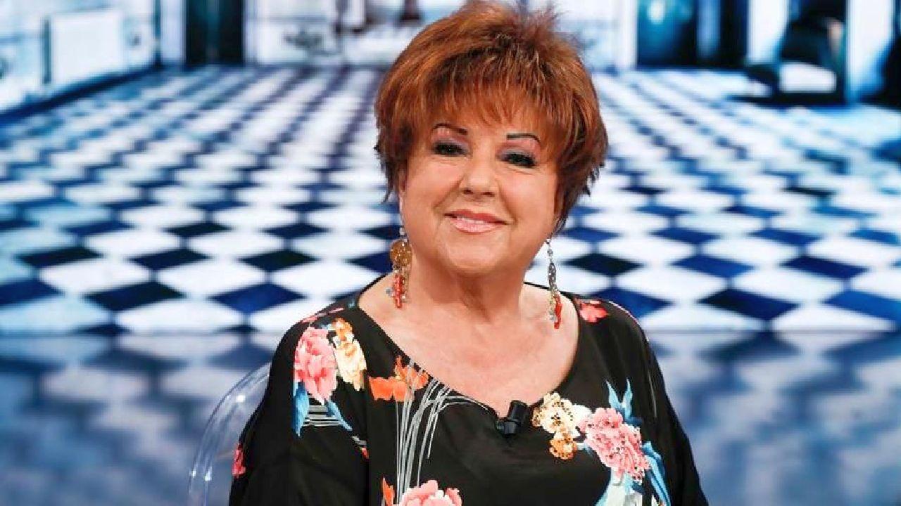 """I Fatti Vostri, Orietta berti in collegamento da Sanremo. Magalli: """"Mi hai fatto paura"""""""