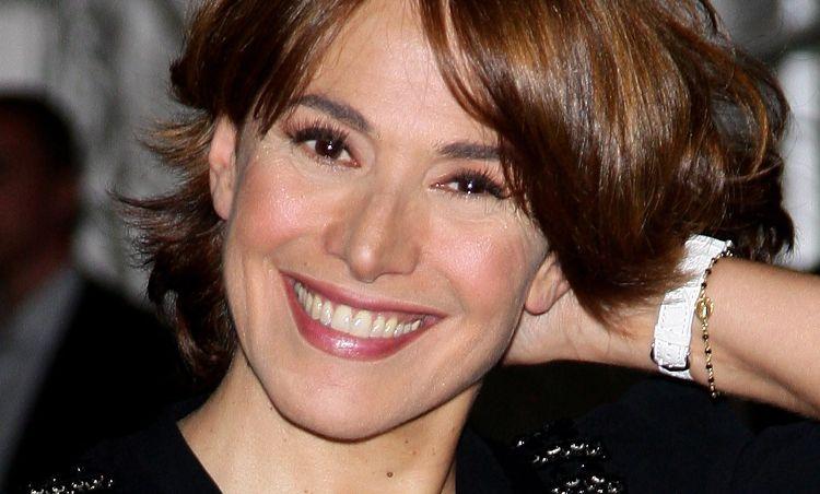 Barbara D'Urso sorride
