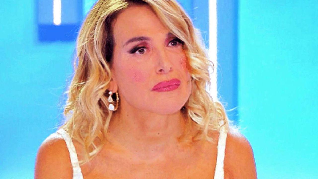 """Barbara d'Urso, appello ai followers su Instagram: """"Vogliono chiuderla, fermiamoli"""""""
