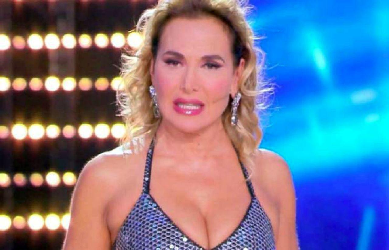 Domenica Live, Barbara d'Urso sempre più sola: addio a Mediaset vicino?