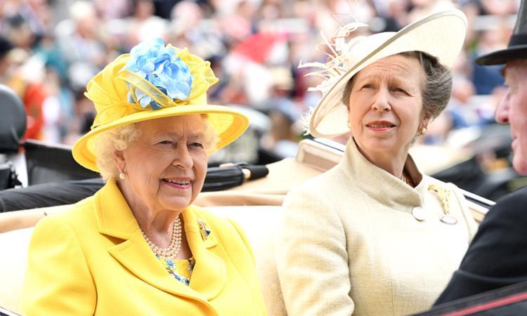 La regina e la principessa Anna