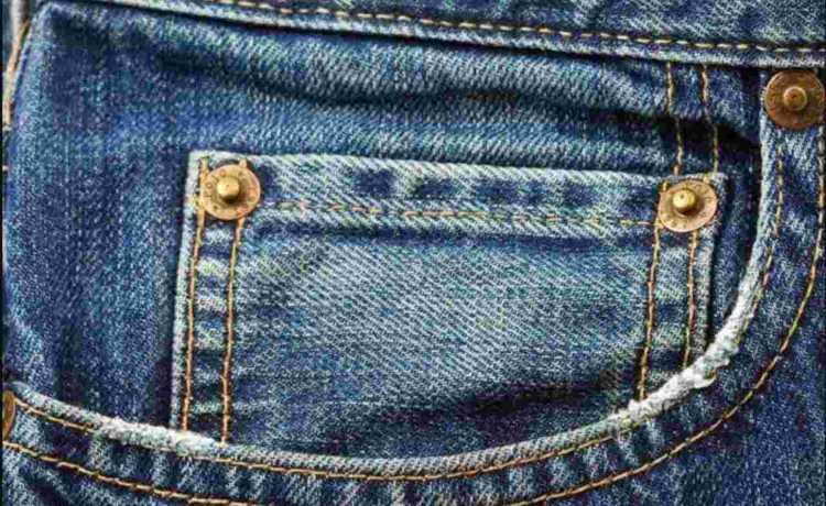 Piccola tasca anteriore jeans