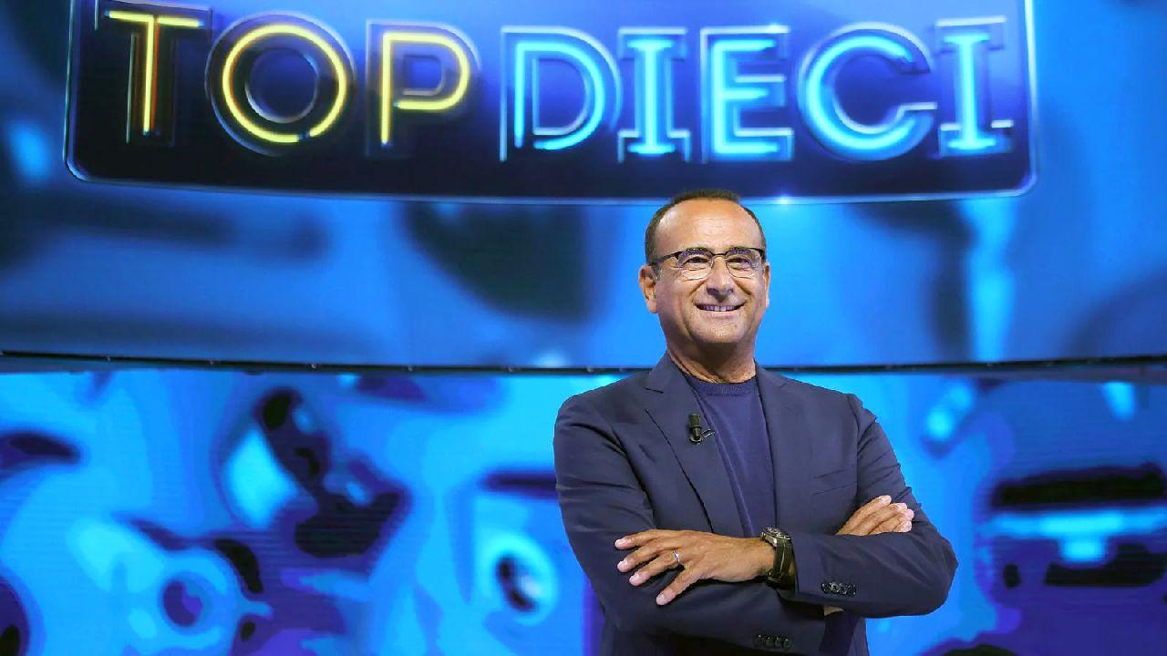"""Ascolti tv Auditel venerdì 7 maggio: """"Top Dieci"""" batte """"L'Isola dei Famosi"""""""