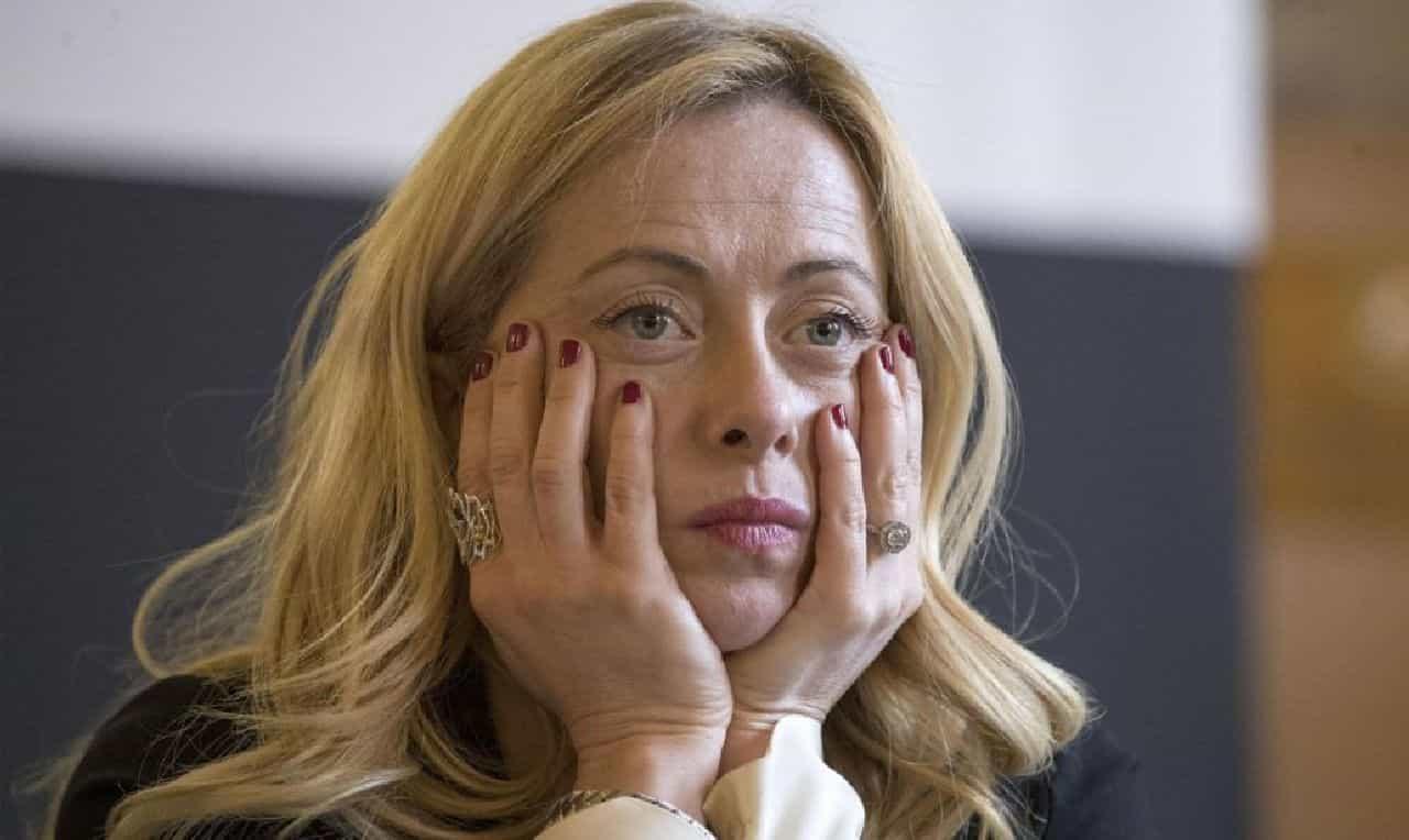 Giorgia Meloni, dalla politica al dramma da bambina: cosa le facevano