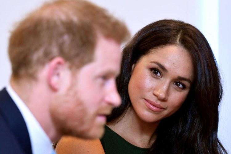 Meghan guarda Harry