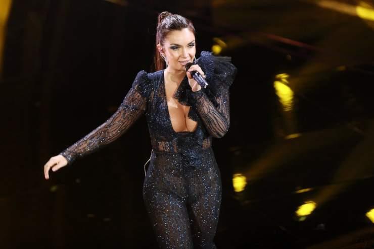 La cantante sul palco