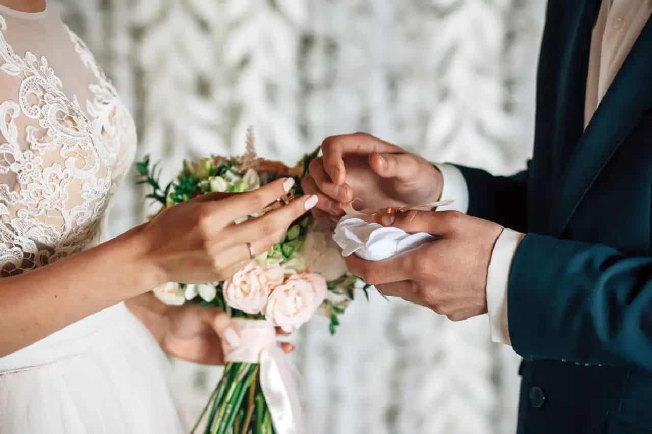 Dopo due figli, si sposano: proposta di matrimonio da sogno per la vip